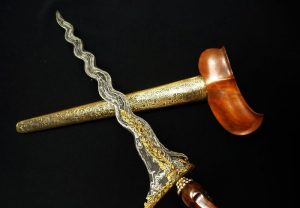 Keris, contoh seni rupa tradisional Indonesia.